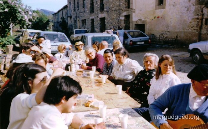 fiesta-de-abril-de-1985-margudguedorg